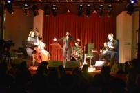 Gülcan Altan Alternatif Sahne'de Müzik Ziyafeti Verdi