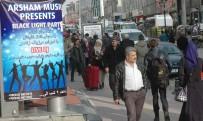 ALıŞVERIŞ - İranlı Turistler Gündüz Alışverişte Gece Eğlencede