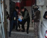 ÇEVİK KUVVET - İstanbul'da Zehir Tacirlerine Şafak Operasyonu