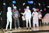 Suriyeli Öğrenci Topluluğundan Tiyatro Gösterisi