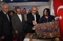 RAMAZAN AKYÜREK - Vali Demirtaş, Büyükşehir Standında Ebru Yaptı