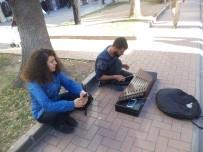OSMANGAZİ ÜNİVERSİTESİ - Yediler'de Bu Kez De 'Santur' Sesleri Yükseldi