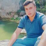 ALıŞVERIŞ - Ağaca Çarpan Motosiklet Sürücüsü Hayatını Kaybetti
