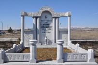 BAŞSAĞLIĞI - Aşık Murat Çobanoğlu Mezarı Başında Anıldı