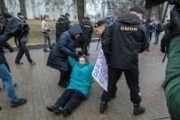 MINSK - Beyaz Rusya'da Vergi Protestosuna Yüzlerce Tutuklama