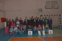 BEDEN EĞİTİMİ - Çatak Belediyesin'den Öğrencilere Spor Malzemesi