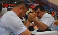 BEDENSEL ENGELLILER - Engelliler Türkiye Bilek Güreşi Şampiyonası