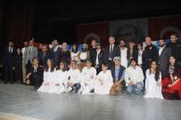 Hakkari'de 'Bir İhtiyaç Da Sen Gider' Tiyatro Oyunu Sergilendi