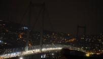 SULTANAHMET CAMII - İstanbul karanlığa büründü!