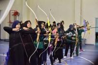 GENÇLİK MERKEZİ - Osmaniye'de Okullar Arası Okçuluk Yarışmaları Düzenlendi