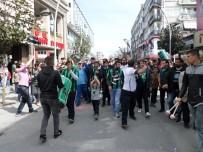 SAKARYASPOR - Sakaryaspor Taraftarı Orduspor Maçı Öncesi Yürüdü
