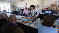 EBRU SANATı - Yaşlılar Haftasında Ebru Sanatının İnceliklerini Öğrendiler