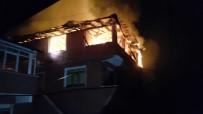 YANGINA MÜDAHALE - Zonguldak'ta Yangın 3 Katlı Bina Kullanılmaz Hale Geldi