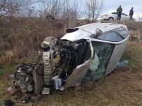 Çankırı'da Otomobil Tarlaya Uçtu Açıklaması Aynı Aileden 6 Kişi Yaralandı