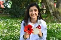 AZIZ KOCAOĞLU - Çiçek Akyüz, Avrupa Şampiyonu Oldu