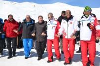 YAMAÇ PARAŞÜTÜ - Hakkari'de 'Kar' Festivali