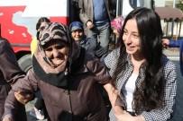YAŞLILAR HAFTASI - Serdivan'da Yaşlılar Unutulmadı