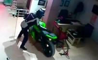 70 Bin TL'lik Motosikleti Saniyeler İçinde Çaldı