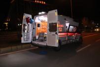 FıRAT ÜNIVERSITESI - Elazığ'da Ambulansla Otomobil Çarpıştı Açıklaması 2 Yaralı