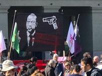 TÜRK DİYANET VAKFI - İsviçre'deki Türk STK'lardan Çirkin Pankarta Kınama