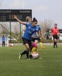 FUTBOL TAKIMI - Kadınlar Maçında Dostluk Kazandı
