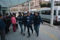 KAÇAKÇILIK - Karabük Merkezli 3 İlde FETÖ Operasyonunda 14 Kişi Gözaltına Alındı
