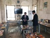 İBRAHIM PAŞA - Kaymakam Ömer Çimşit Halk Kütüphanesini Ziyaret Etti