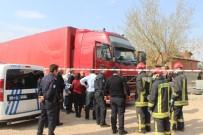 ARABA LASTİĞİ - Macaristan Uyruklu Şoför Tırda Ölü Bulundu