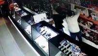 CEVIZLI - Maskeli 5'Li Hırsızlar Kamerada