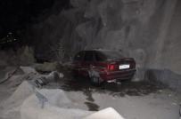 BOZOK ÜNIVERSITESI - Otomobil Şelaleye Uçtu Açıklaması 2 Yaralı