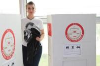 ADNAN MENDERES HAVALİMANI - Sınır Kapılarında Referandum Oylamaları Başladı