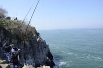 BALIK AVI - Amatör Balıkçıların Tehlikeli Balık Avı
