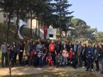 ENGELLİ ÖĞRENCİ - Engelli Öğrenciler Üniversite Bahçesini Çiçeklendirdi