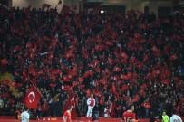 AHMET ÇALıK - Eskişehirli Futbolseverler Milli Maça Yoğun İlgi Gösterdi