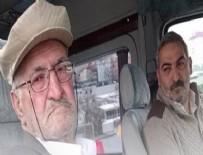 Evde uyuyamayan babasını minibüsle gezdiriyor