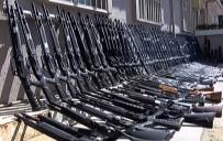 İstanbul'da Silah Deposuna Baskın