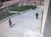 VALİDE SULTAN - Kucağında bebeğiyle uyuşturucu sattı