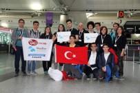 Liseli Öğrenciler Kendi Yaptıkları Robot İle ABD'de Yarışacak