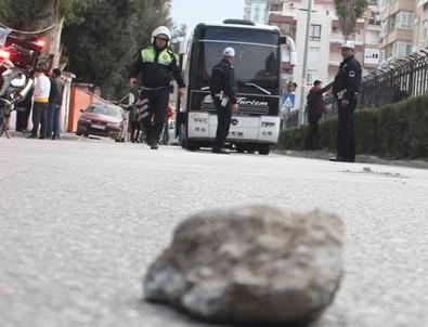 Siirt'te AK Parti'li kadınlara taşlı saldırı