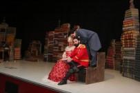 GEBZELI - Tiyatro Severler GKM'yi Doldurdu