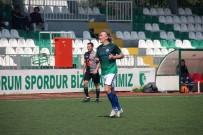 FUTBOL TURNUVASI - Ünlü Futbolcu Yıllar Sonra Yine Sahalarda