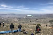 SİVAS VALİSİ - Yamaç Paraşütçüleri En Uzak Mesafeye Uçmak İçin Yarışacak