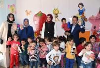 TUZLA BELEDİYESİ - Bakan Kaya, Tuzla Belediyesi Gönül Elleri Çarşısını Ziyaret Etti