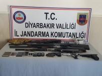 KURUSIKI TABANCA - Bismil'de Silah Ve Mühimmat Ele Geçirildi