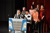SOSYAL SORUMLULUK PROJESİ - Kadınlar Muratpaşa'da Sahne Aldı