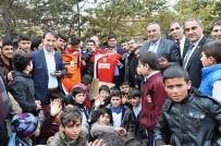 KEÇİÖREN BELEDİYESİ - Keçiören Belediyesinden Spor Kulübüne Malzeme Yardımı