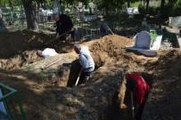 MEHMET DOĞAN - Kozan'daki Katliamda Öldürülen Doğan Ailesi Fertleri Toprağa Verildi