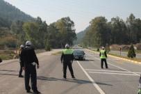 ALKOL MUAYENESİ - Marmaris'te Trafik Ekipleri Denetimlerini Arttırdı