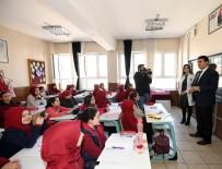 DOĞUM GÜNÜ - Öğrencilerden Dündar'a Doğum Günü Sürprizi