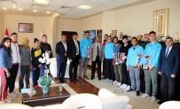 MUHAMMET GÜVEN - Şampiyon Sporculardan Rektör Güven'e Ziyaret